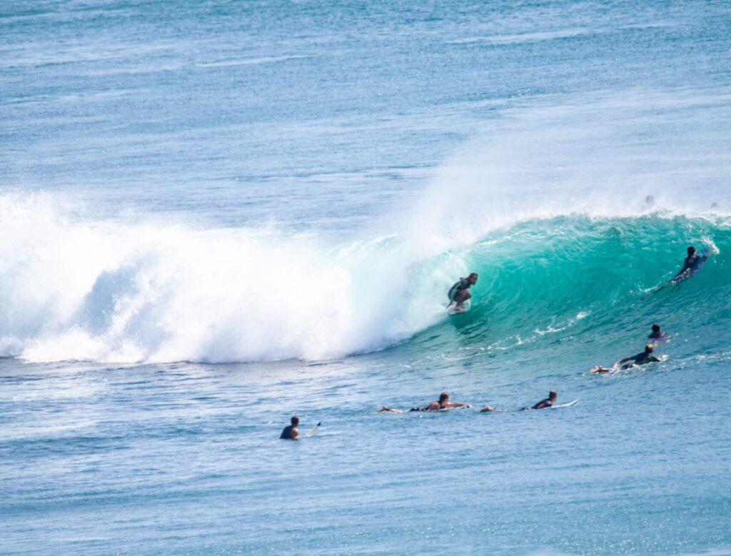 Surf à Bali - La Sainte-Trinité